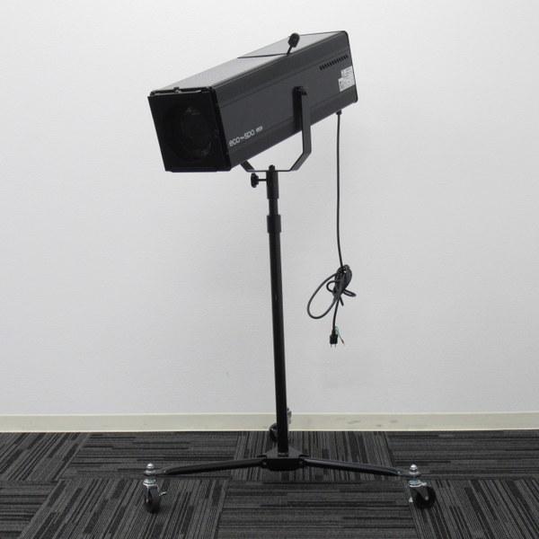 ▼A399 日照 NISSHO【LEDスタンド式 ピンスポットライト NEL-9751K】100W ブラック 広角タイプ ズーム ファン付 2018年製 舞台照明 脚付き