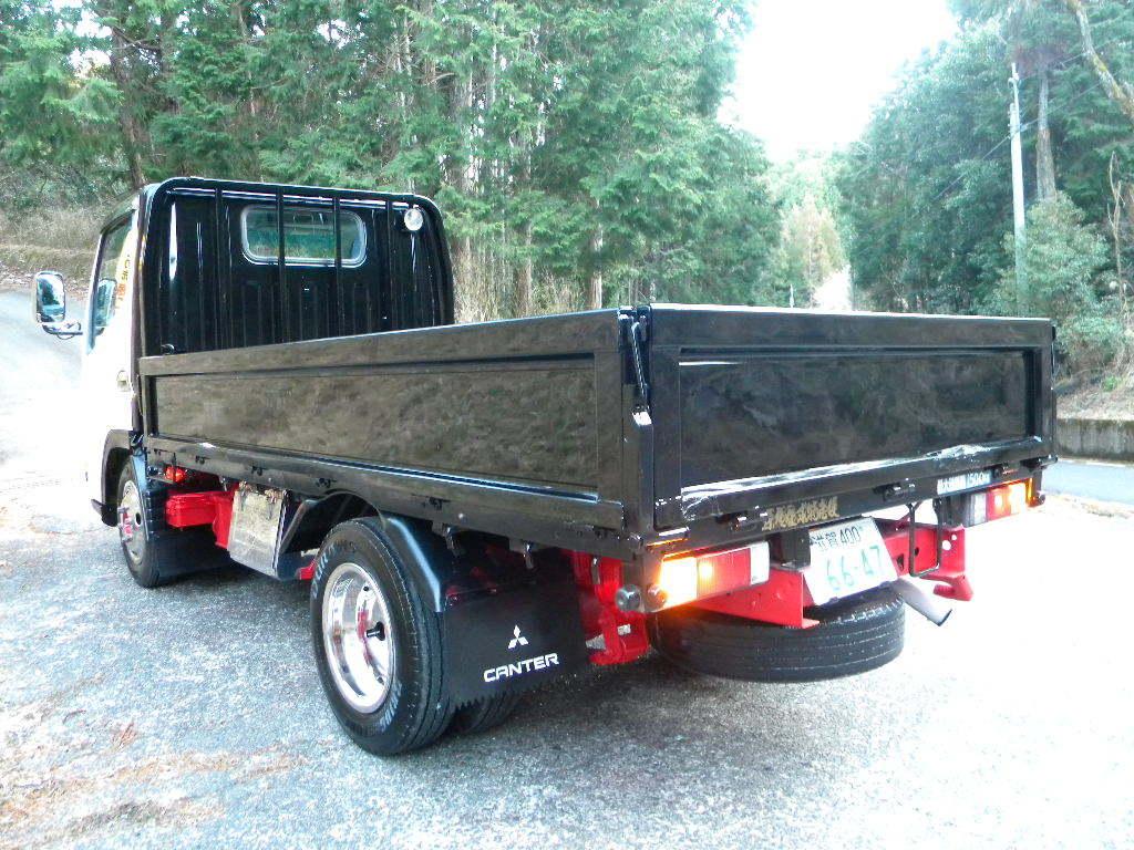 「値引き可能・仕上げ済み・デコトラベース・ジェネレーション・キャンター・1.5トンターボ車・レトロ。陸送格安」の画像2