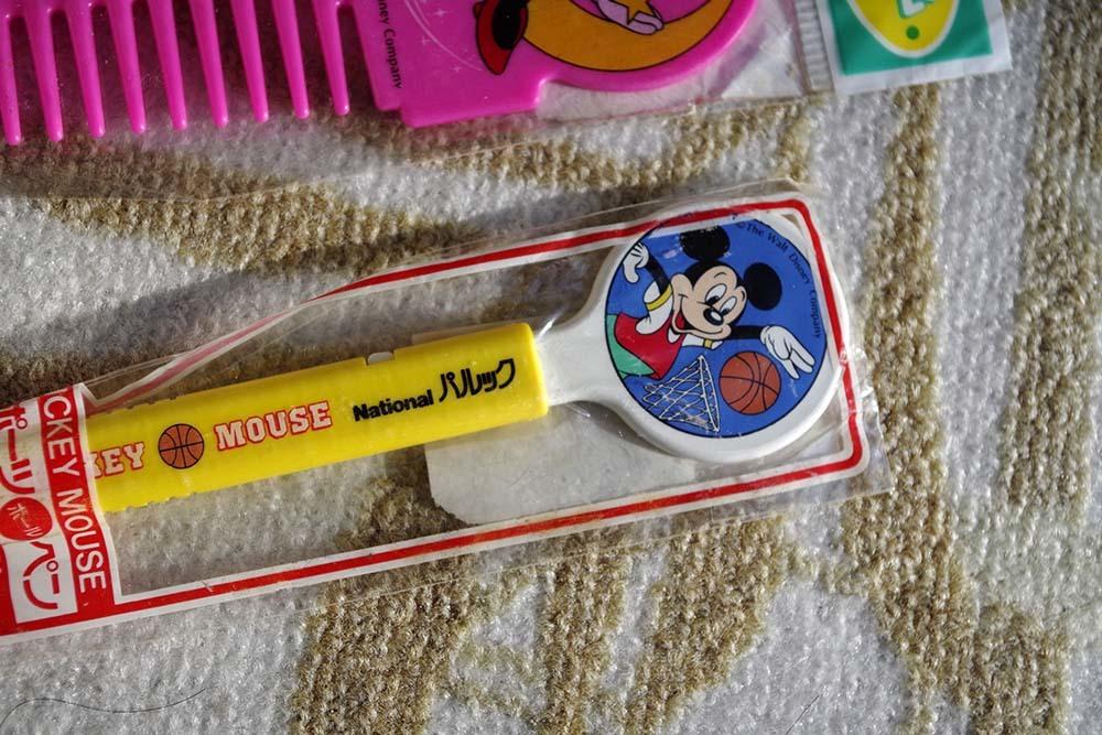 Nationalパルック景品ミニーのコームとミッキーのボールペン2点非売品デットストック看板ドリンク広告キャラクタージャンクです。_画像2