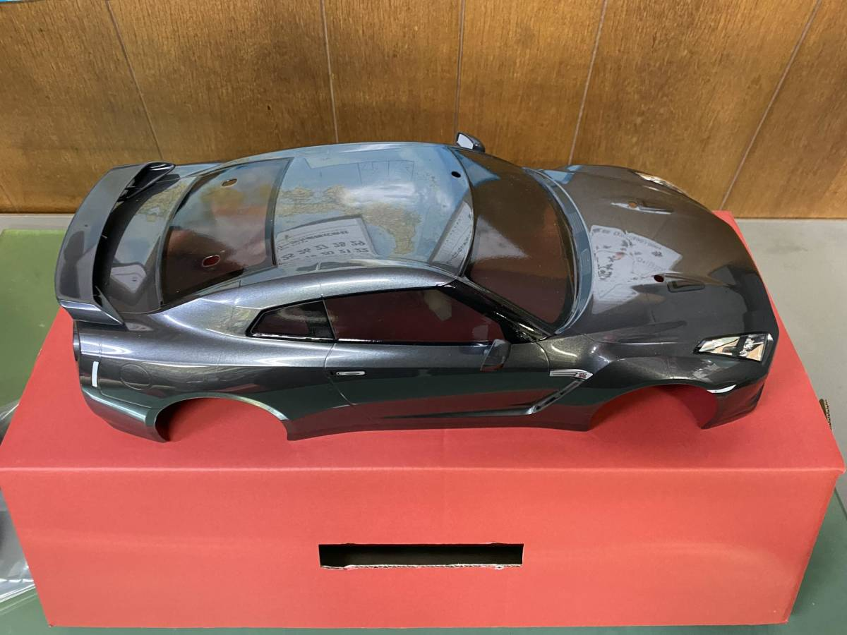 ★ 送料無料 タミヤ 日産GT-R LEDライト付き 完成済みスペアボディ+ラジアルタイヤ付き専用ホイール付き です ★