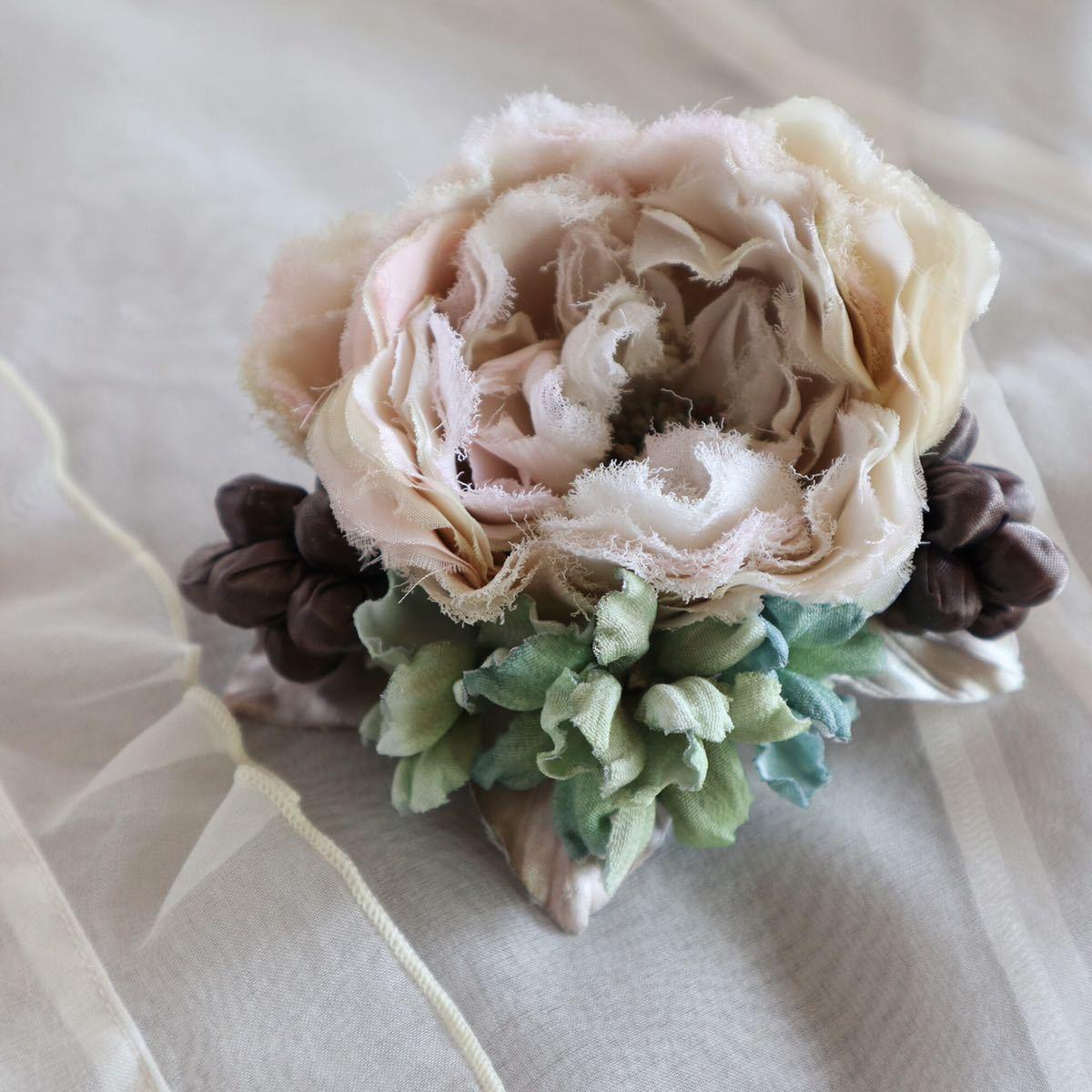 *kashun* ハンドメイド 布花のアンティークカラーのミニブーケ風コサージュ6 ピンクのバラとアジサイ /染花/卒園式/卒業式/入学式_画像2