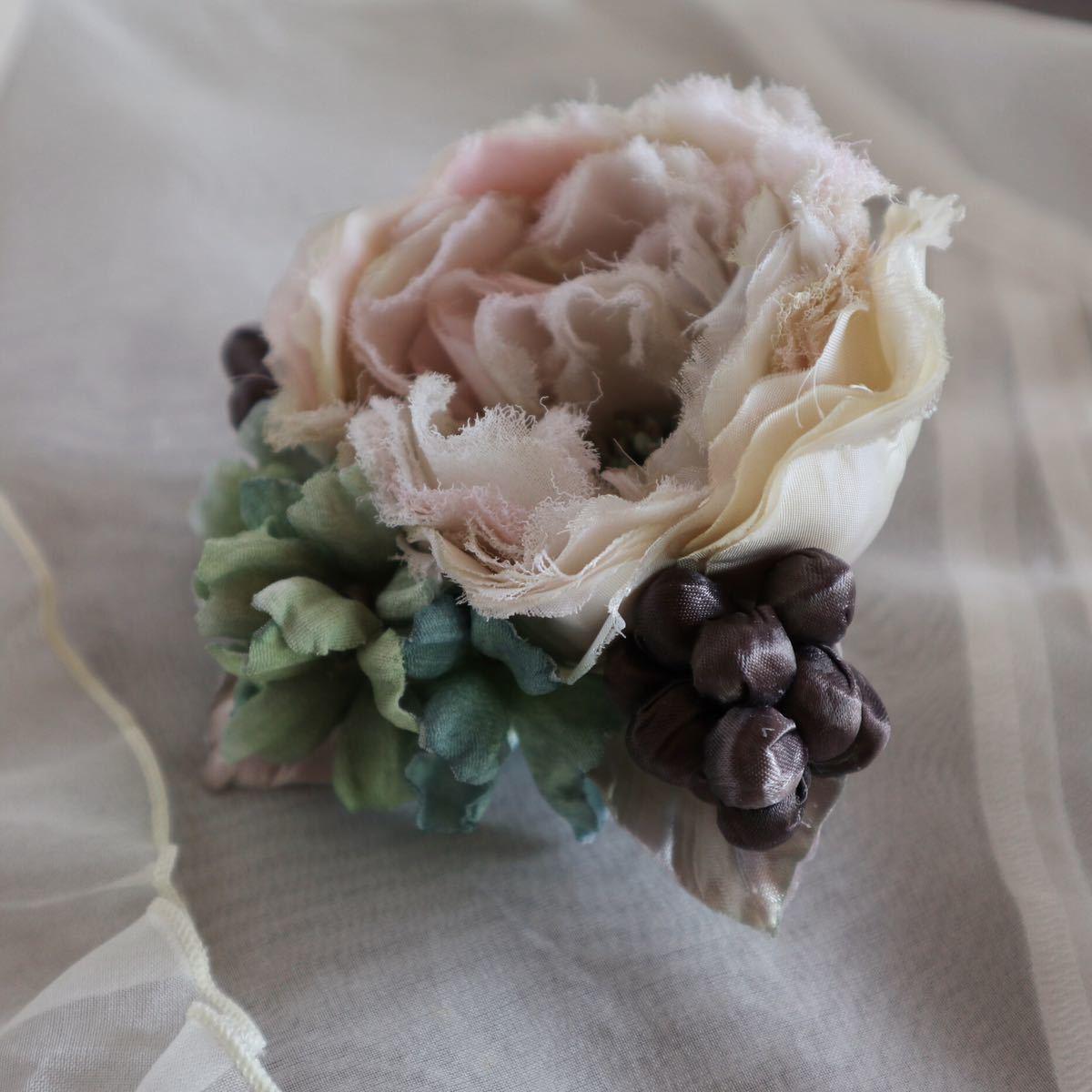*kashun* ハンドメイド 布花のアンティークカラーのミニブーケ風コサージュ6 ピンクのバラとアジサイ /染花/卒園式/卒業式/入学式_画像3