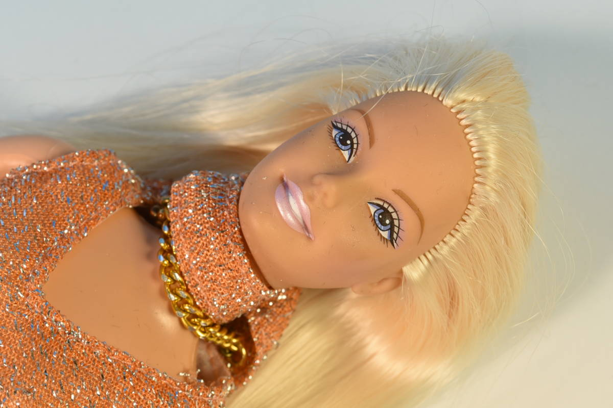 Barbie人形 「詳細不明 Barbie」(49) 元箱無し・サービス品(アウトフィット)付き_画像4