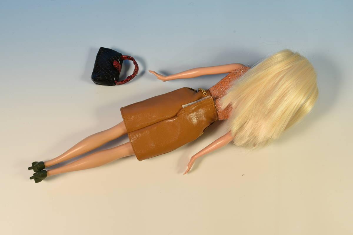 Barbie人形 「詳細不明 Barbie」(49) 元箱無し・サービス品(アウトフィット)付き_画像8