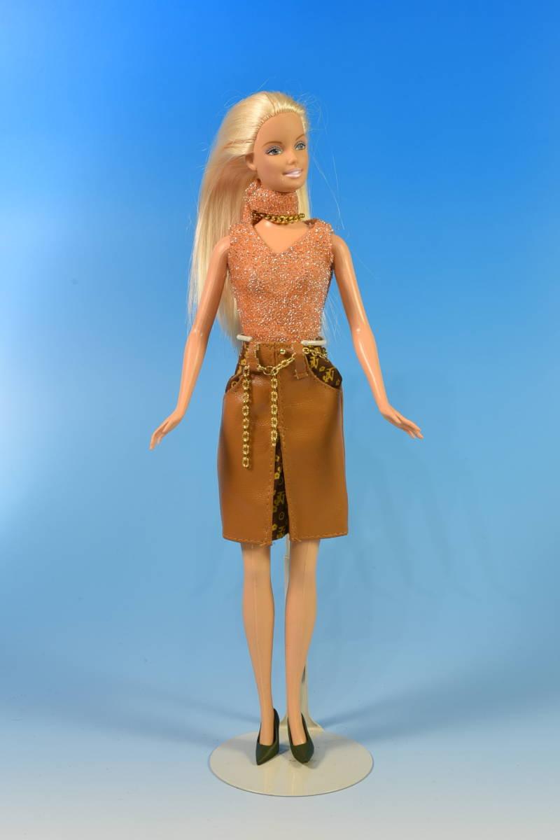 Barbie人形 「詳細不明 Barbie」(49) 元箱無し・サービス品(アウトフィット)付き_画像1