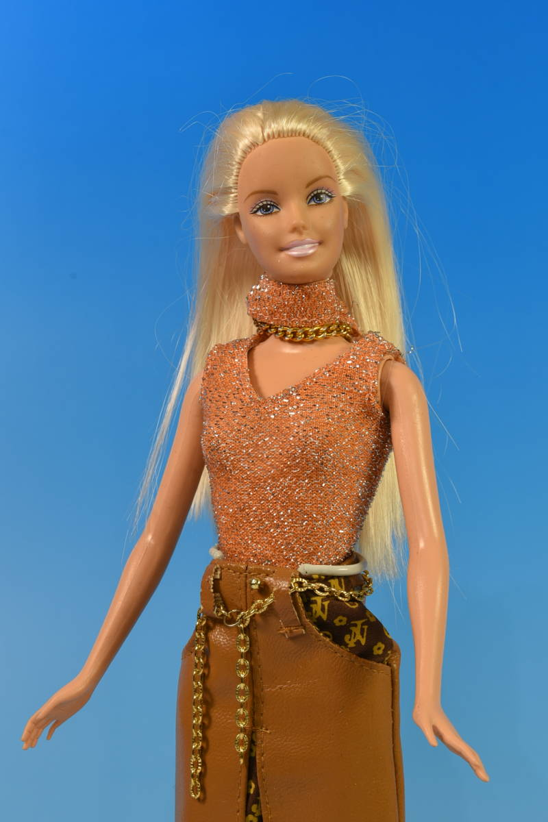 Barbie人形 「詳細不明 Barbie」(49) 元箱無し・サービス品(アウトフィット)付き_画像2