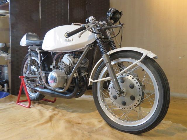 「動作確認後出品! □YAMAHA TD1C ヤマハ ホワイト 250cc 2ST 競技車両 レーサー バイク タンク錆無し! 激レア車! 札幌発」の画像3