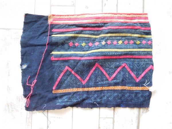 モン族他のはぎれ Xno.241刺繍布はぎれ240×300mm 山岳民族 ラオス タイ インドシナ 手芸材料 古布 藍染 手織り_画像1