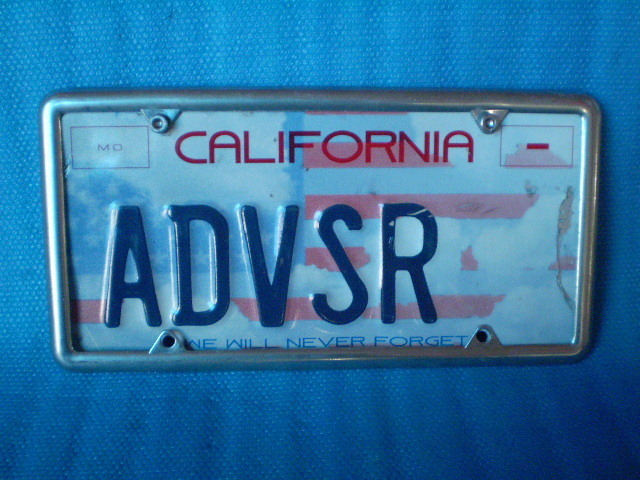California ADVSR' ライセンスプレート。1枚。Old Used.ビンテージ。70s 80s 90s 00s USナンバープレート。_画像7