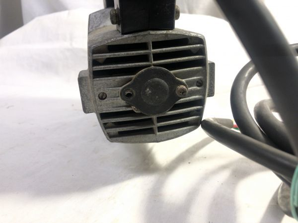 makita マキタ ジクソー 4300A / 390W / 100V / 50-60Hz 電動のこぎり 通電確認 現状品 部品取り 難あり ジャンク_画像8