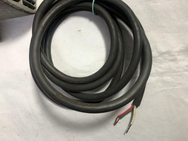 makita マキタ ジクソー 4300A / 390W / 100V / 50-60Hz 電動のこぎり 通電確認 現状品 部品取り 難あり ジャンク_画像9