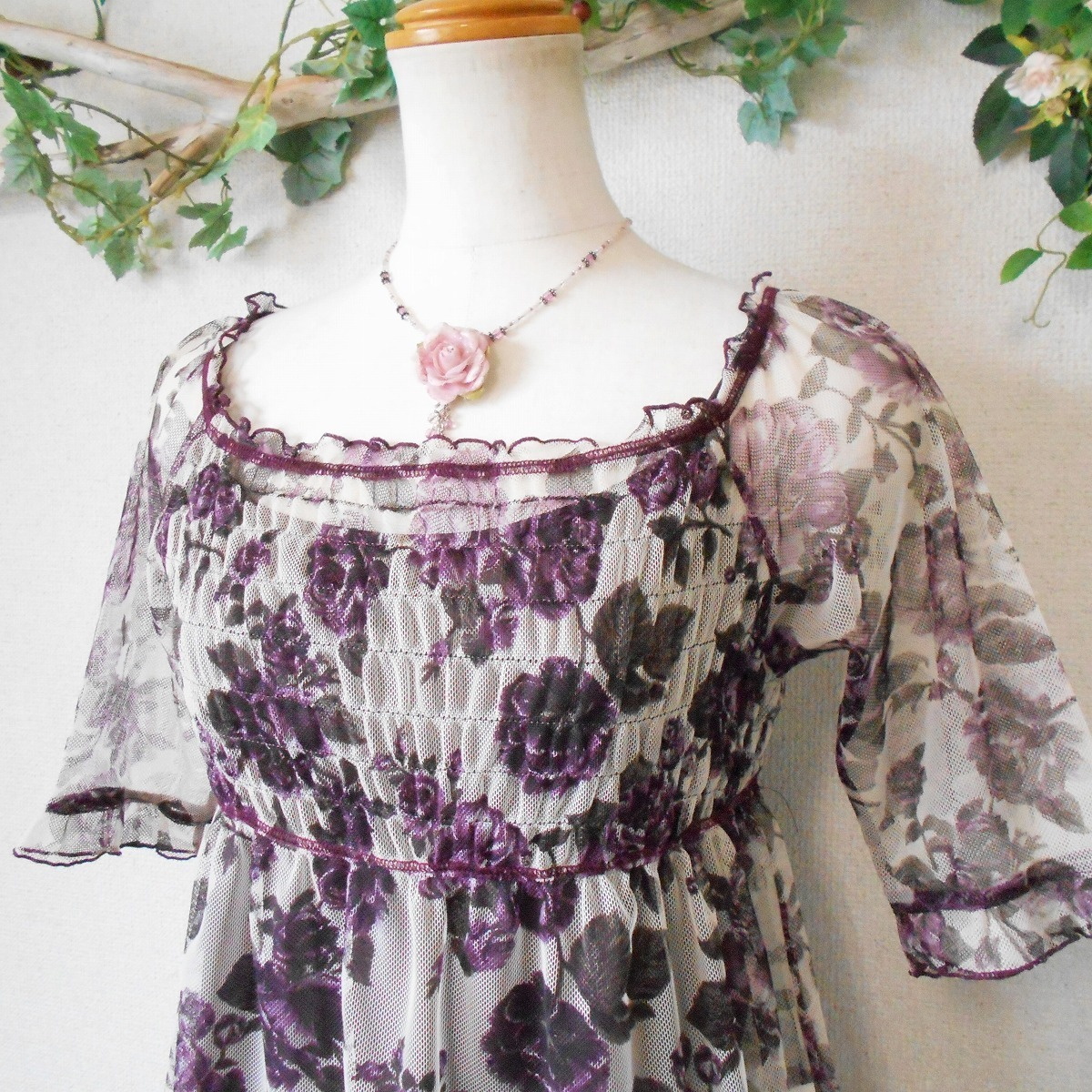 レストローズ LEST ROSE 総 チュール 使用 花柄 の 可愛い 5分袖 カットソー ブラウス 日本製 M キャミ付き_画像3