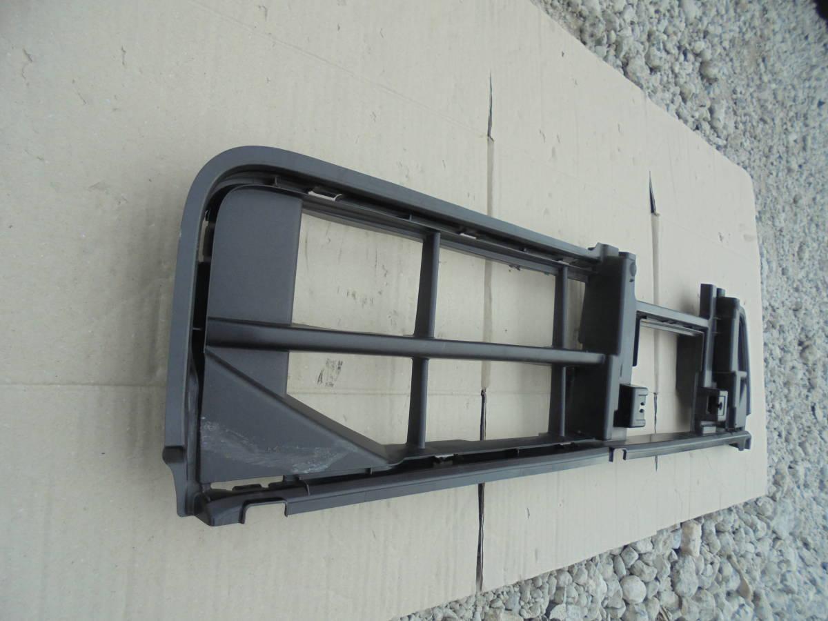 タント LA600S.LA610S 純正 フロントバンパーロアグリル 53112-B2330 M784_画像2