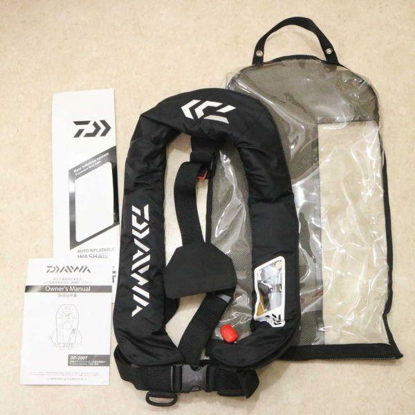 極美品★DAIWA ダイワ DF-2007 ウォッシャブルライフジャケット(肩掛けタイプ手動?自動膨脹式) ブラック