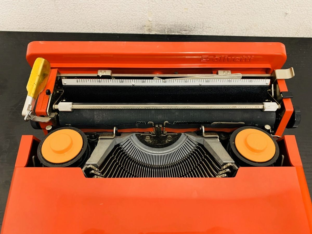 Y212-I13-1931 Olivetti オリベッティ Valentine バレンタイン タイプライター アンティーク ④_画像3