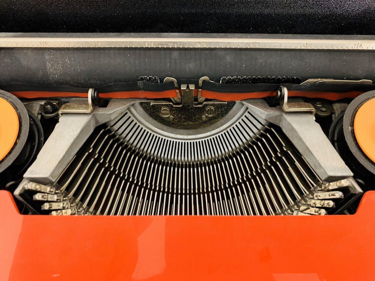 Y212-I13-1931 Olivetti オリベッティ Valentine バレンタイン タイプライター アンティーク ④_画像6