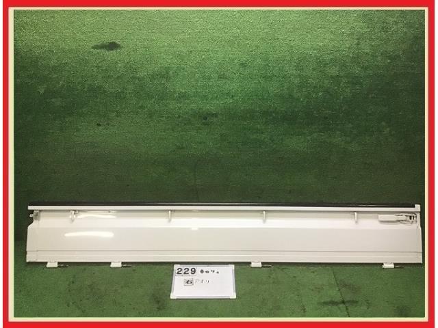 【送料無料】DA16T キャリイ 純正 右 アオリ 荷台 サイドパネル 26U/白 67100-82M00 NT100クリッパー/スクラム/ミニキャブ_画像1