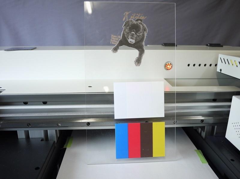 高性能版 A3UVプリンター FSA3UV 様々素材に直接プリント プラティック レザー 布 木製品へ_画像6