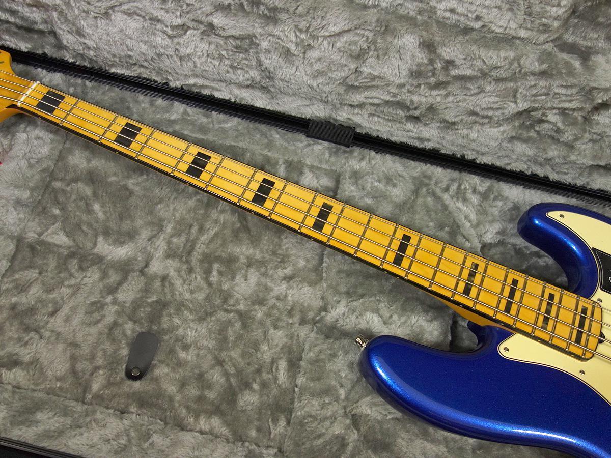 新品 「Fender USA 【American Ultra Jazz Bass Cobra Blue 】」_画像4