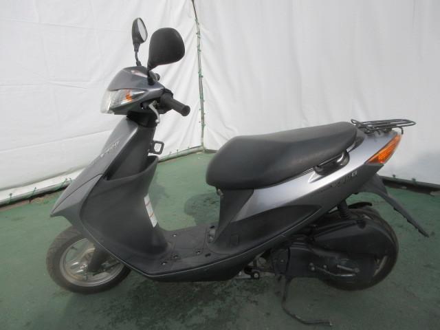 「FM23 スズキ スクーター V50G 原付 バイク UZ50XGK6 50cc 部品取り」の画像1