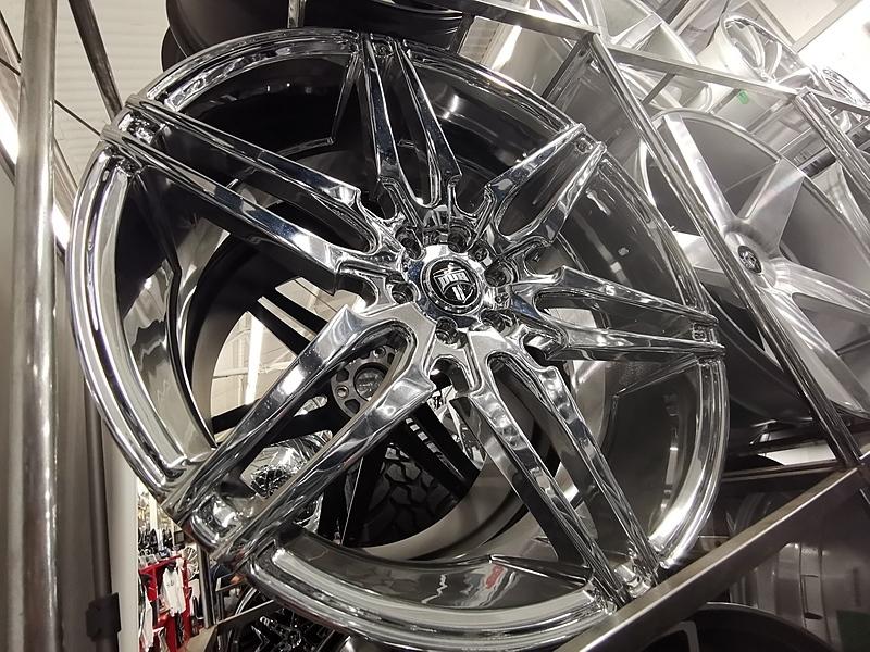 26インチ DUB ATTACK 6 ダブ クローム ホイール タイヤ 4本セット 6x139.7mm エスカレード タホなど_画像3