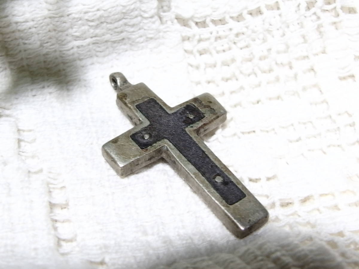 フランスアンティーク 十字架 クロス イエスキリスト ペンダントヘッド  3センチ×2,8センチ シルバーメタル メダイ_画像2