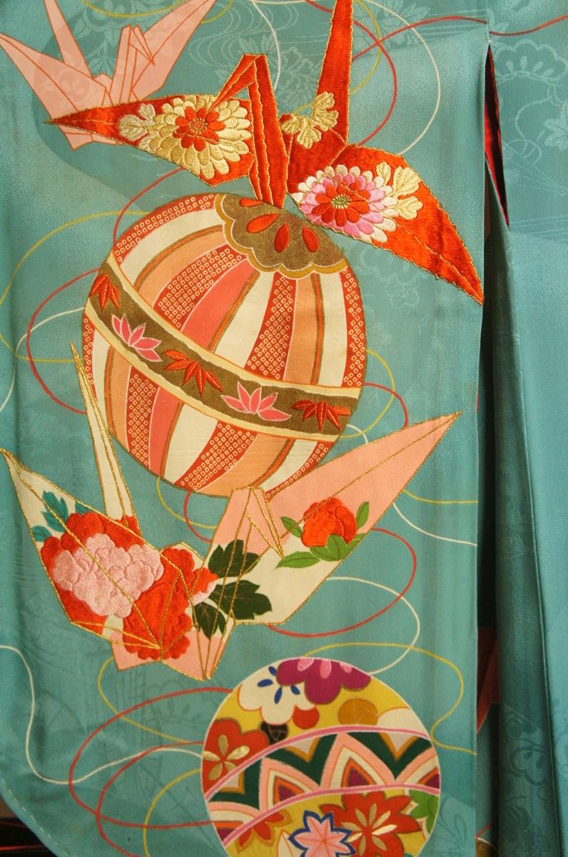 逸品アンティーク花緑青色手毬に鶴刺繍入り五ツ紋H12145_アンティーク花緑青色手毬に鶴刺繍入五ツ紋
