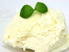 即決価格 森永乳業 業務用4リットル バニラアイスクリーム 2,800円_画像2