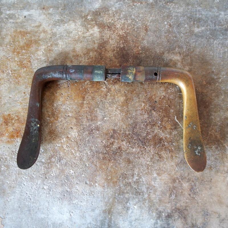 希少 ドイツ アンティーク 真鍮製ドアノブ 取っ手 ハンドル フック シャビー 工業系 バウハウス アールデコ 店舗什器 家具インダストリアル_画像5