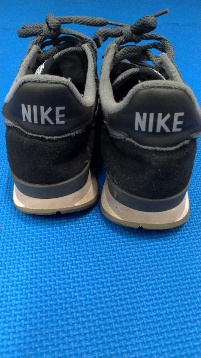 NIKE 黒 グレー 運動靴 25.0cm ナイキ スニーカー 箱無し_画像3