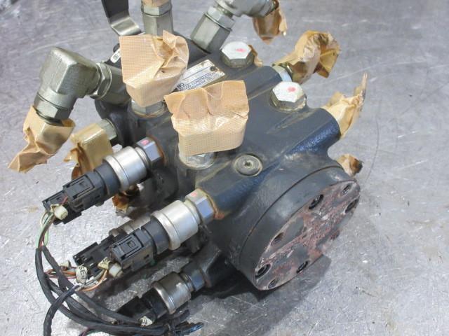 KOBELCO コベルコ SK200-8 マルチバルブ  マルチレバー 建設機械_画像5