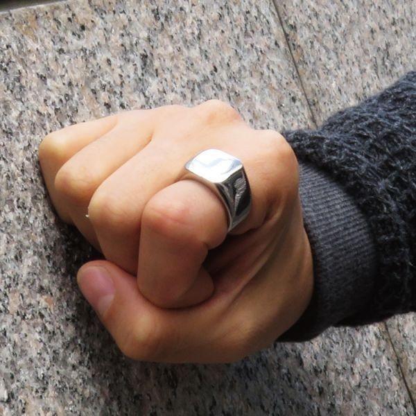 指輪 メンズ リング 印台 シグネット スクエア カレッジ 角丸 サージカルステンレス 艶 光沢 鏡面 シンプル 重厚感【24号/シルバー】_画像4