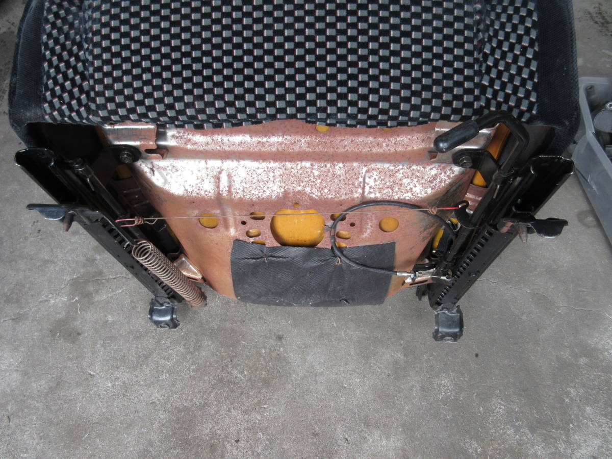 AE92 カローラ FX GT 純正 シート 助手席側 左側 (個人宅発送不可) _画像10