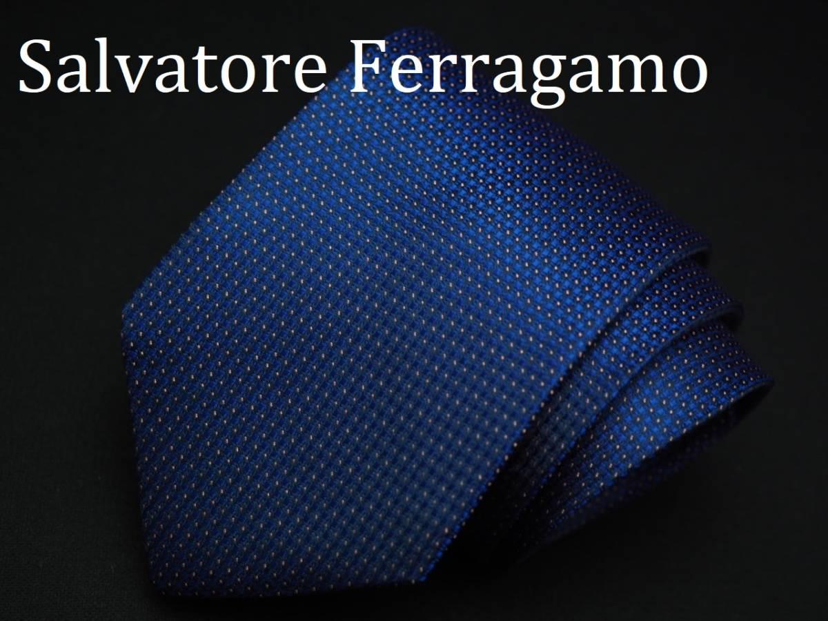 【Salvatore Ferragamo】美品 フェラガモ イタリア製 ブルー ホワイトネクタイ USED オールド ブランド シルク_画像1
