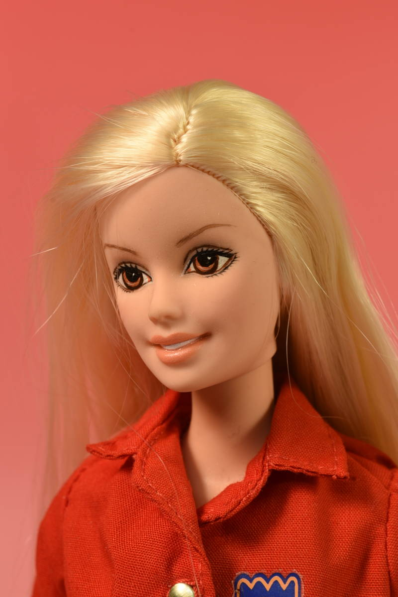 Barbie人形 「詳細不明 Barbie」(F) ・元箱無し・スタンド付き _画像3