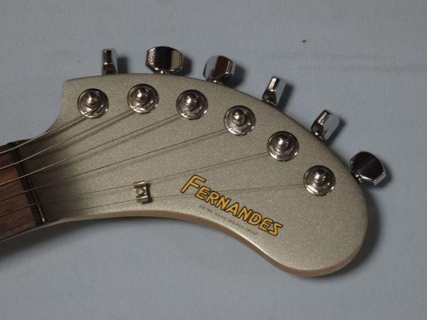 アンプ・スピーカー・エフェクター内蔵の遊べるギターDIGI-ZO デジゾー ZO-3 中古