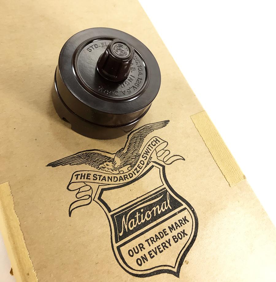 【デッドストック!】1930'sアンティークスイッチ/壁付け/ビンテージ/デスクライト/店舗什器/ペンダントライト/照明/gras/o.c.white/壁_画像1