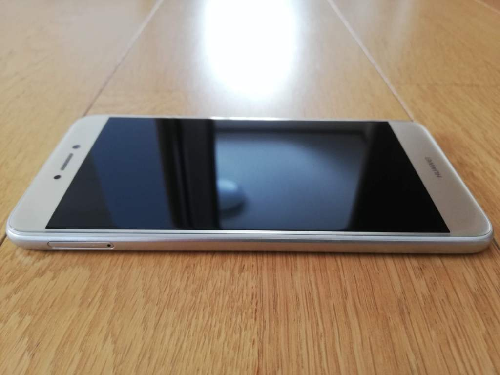 HUAWEI nova lite for Y!mobile ゴールド 608HW SIMフリー_画像7