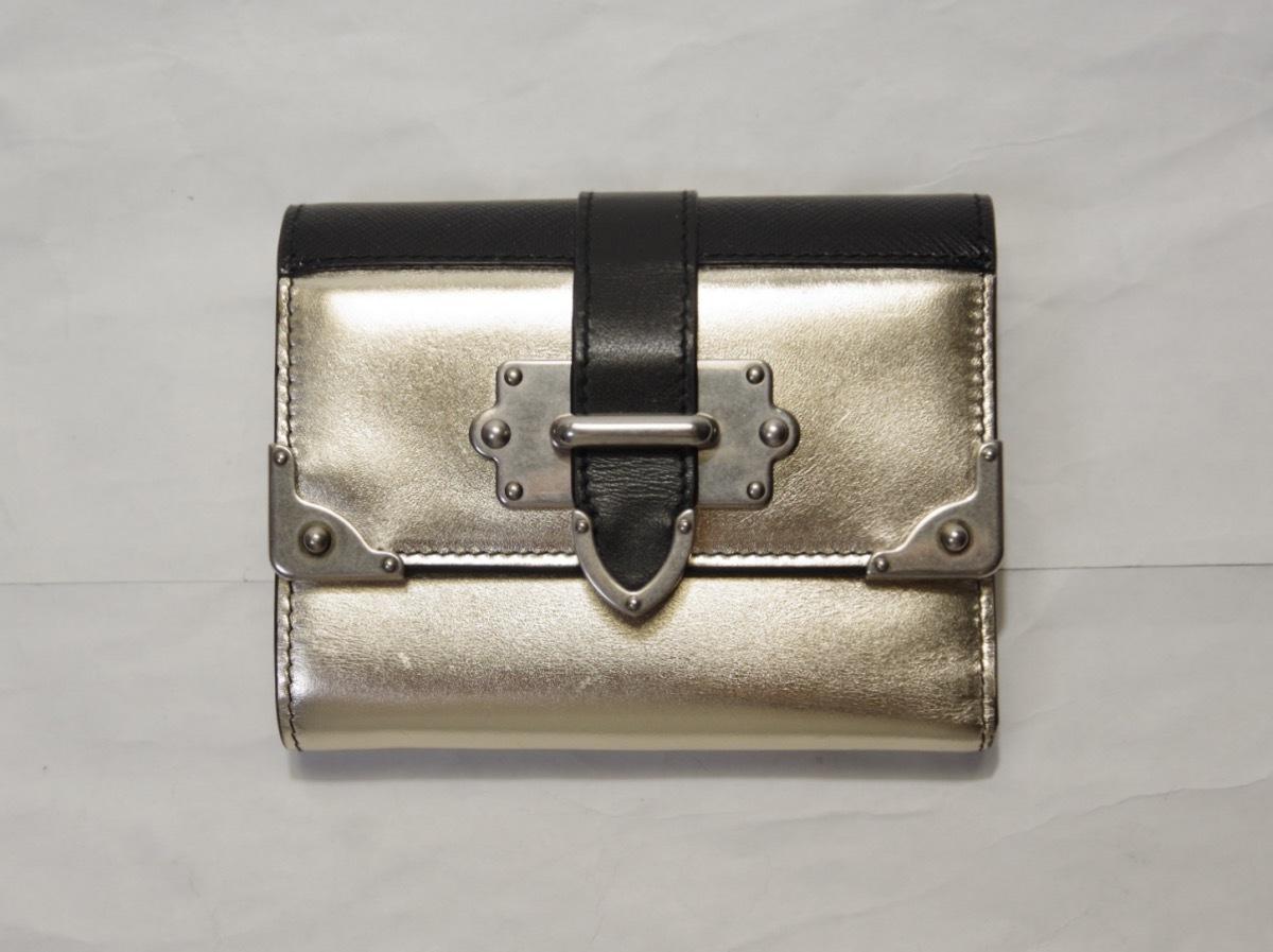 新品本物☆PRADA 三つ折り財布 ゴールド×ブラック 本物です!