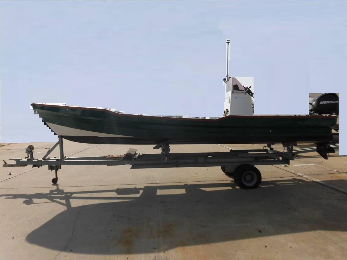 センターコンソール艇 23ft 4スト60馬力搭載_画像3