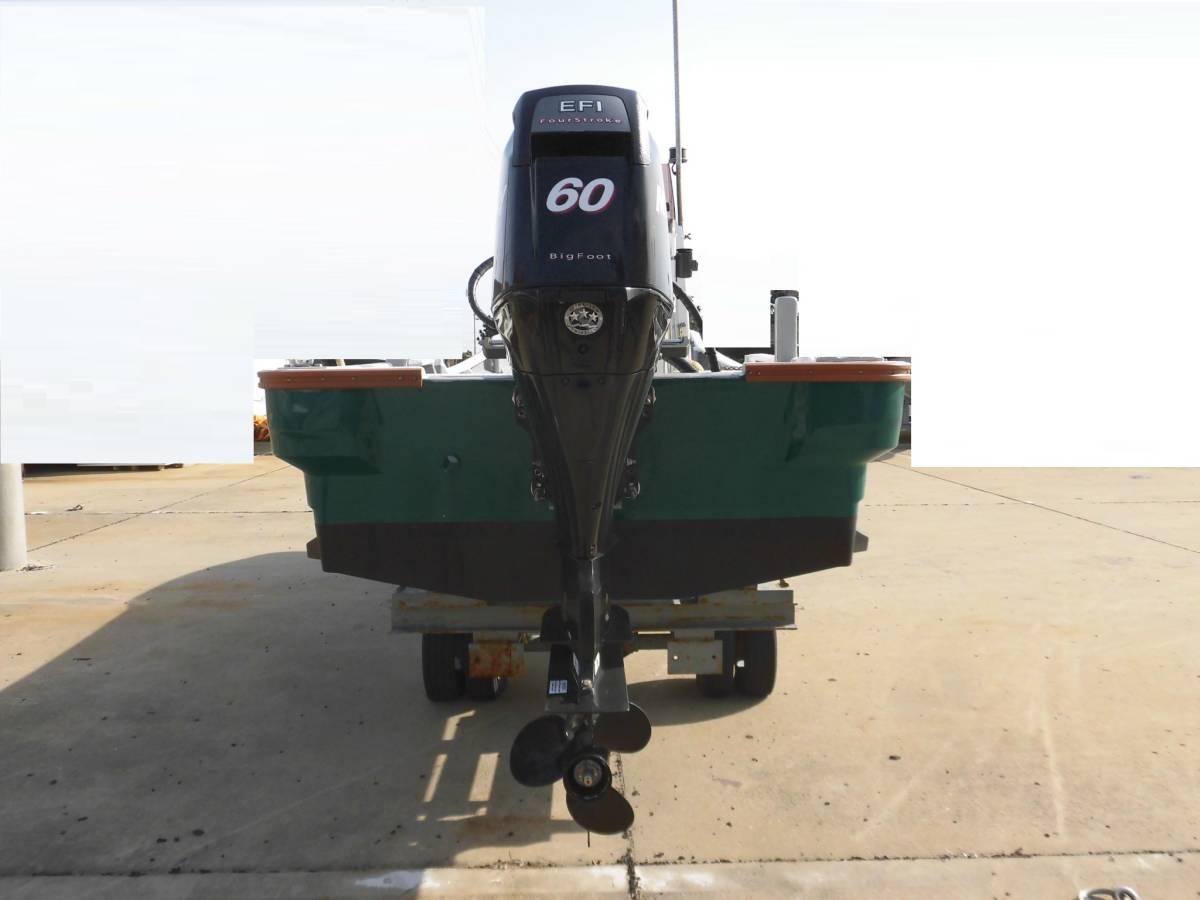 センターコンソール艇 23ft 4スト60馬力搭載_画像4