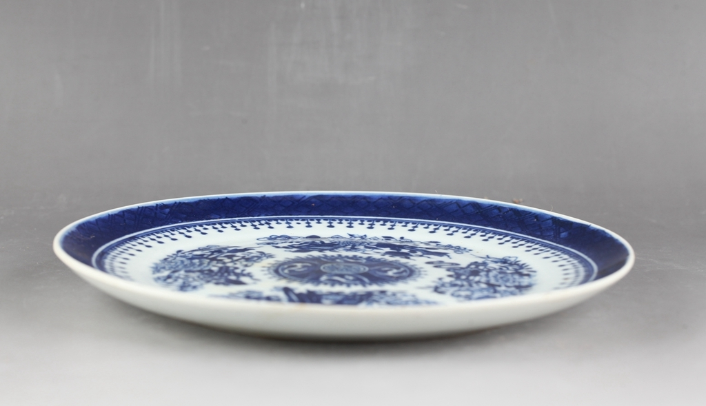 中国 清時代 古染付 青花 花図皿 !直径20.8 cm、高さ1.8cm _画像2