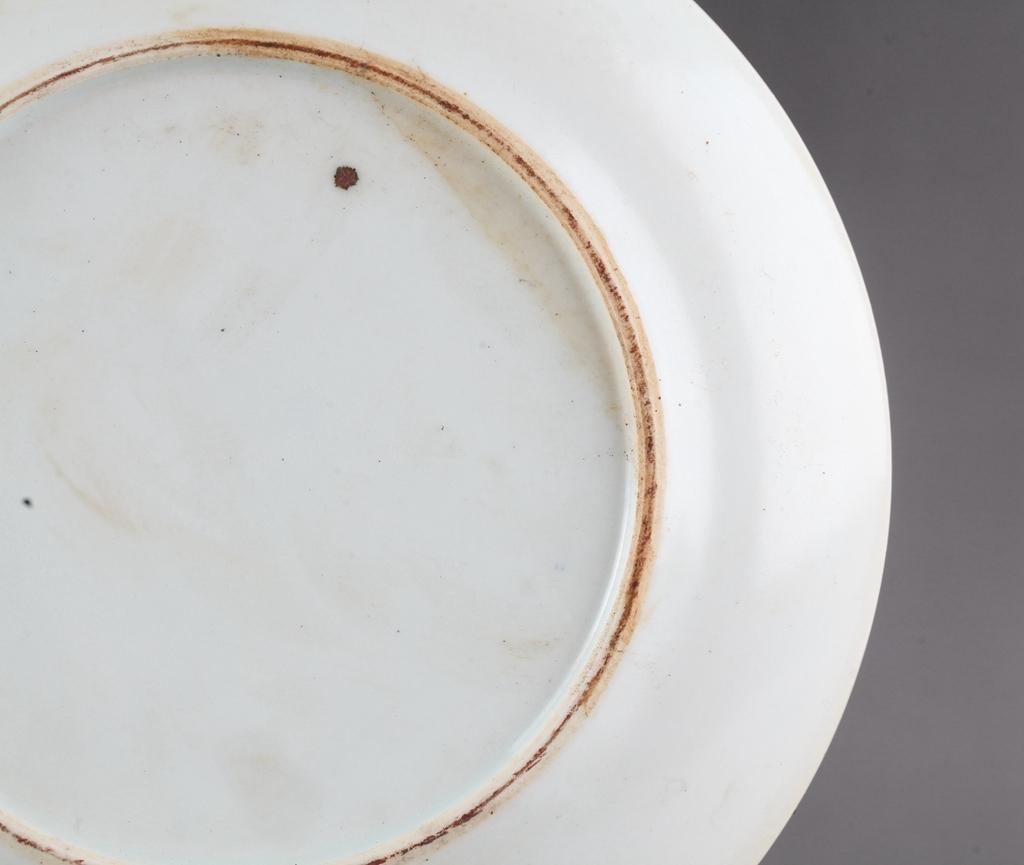 中国 清時代 古染付 青花 花図皿 !直径20.8 cm、高さ1.8cm _画像9