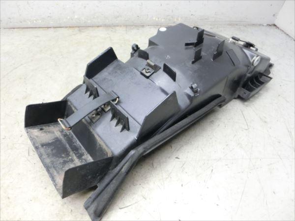 B7-0319 ヤマハ XJR400R-3 リアインナーフェンダー 純正品 【RH02J-002~ 2002年モデル 動画有】_画像3