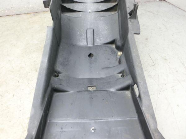 B7-0319 ヤマハ XJR400R-3 リアインナーフェンダー 純正品 【RH02J-002~ 2002年モデル 動画有】_画像6