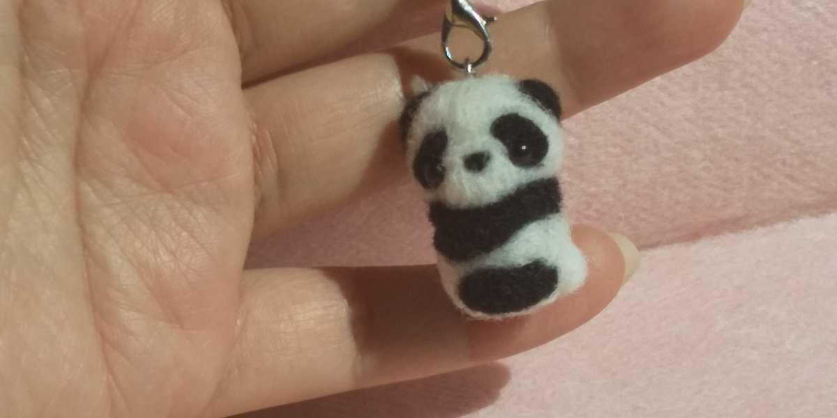 羊毛フェルト ハンドメイド パンダ 赤ちゃん ストラップ_画像1