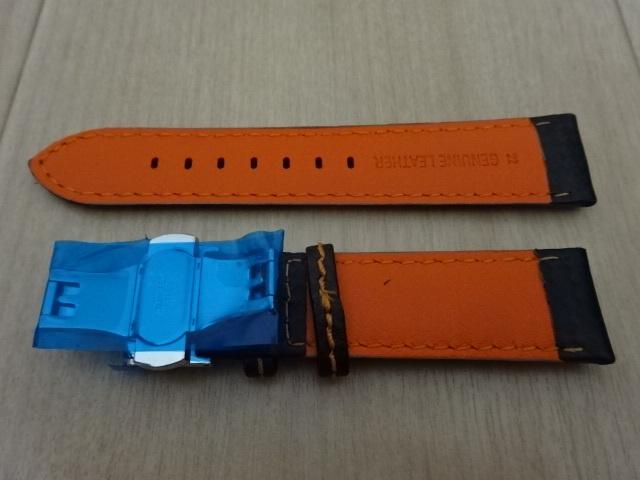 腕時計用ベルト 観音開き 両開き Dバックル カーボン柄ラバー 裏面レザー 22mm 黒/橙色ステッチ ブラック/オレンジステッチ バンド_画像4