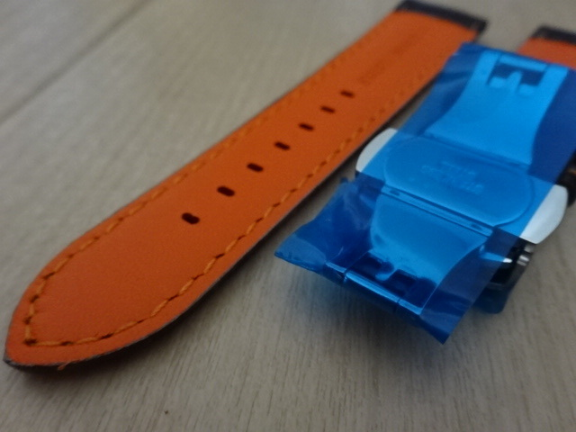腕時計用ベルト 観音開き 両開き Dバックル カーボン柄ラバー 裏面レザー 22mm 黒/橙色ステッチ ブラック/オレンジステッチ バンド_画像5