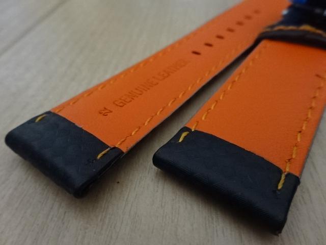 腕時計用ベルト 観音開き 両開き Dバックル カーボン柄ラバー 裏面レザー 22mm 黒/橙色ステッチ ブラック/オレンジステッチ バンド_画像6