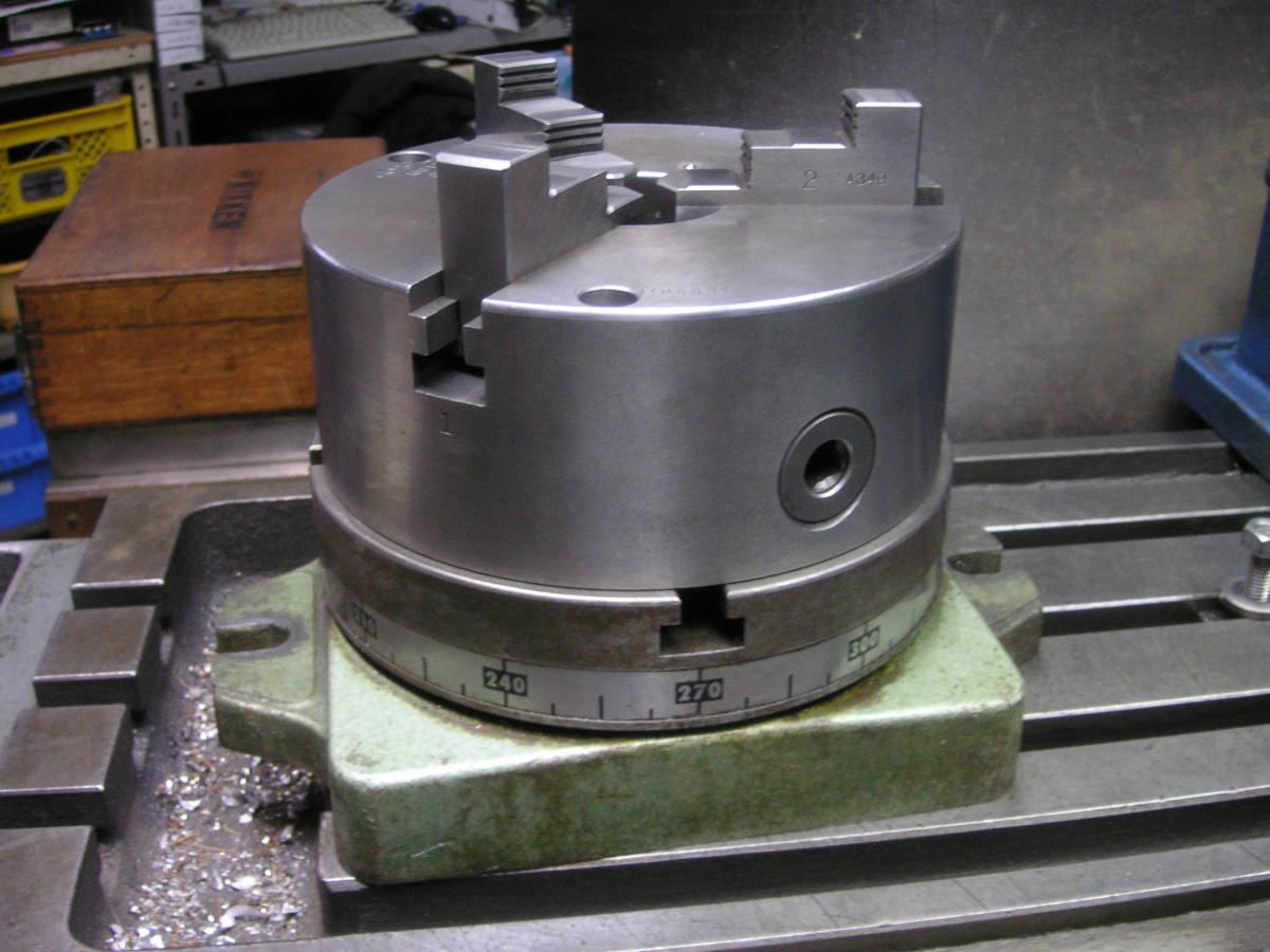 シンポ工業製インデックスとスクロールチャック 中古 回転テーブル 分割盤 サーキュラーテーブル 割り出し盤 三ッ爪チャック_画像2